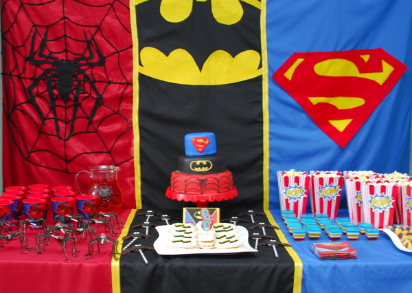 Superhero Party Decor