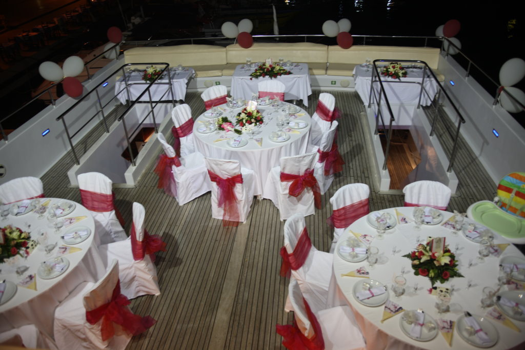 7 reasons to get married on a boat