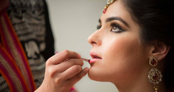 Best Bridal Makeup Artist In North : Are You Choosing The Right Makeup Artist For Your Wedding?