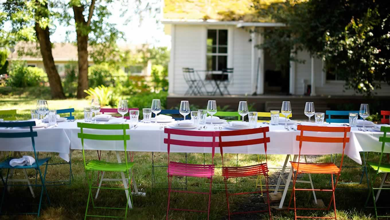 7 hot and happening ideas for a sunkissed summer party. Black Bedroom Furniture Sets. Home Design Ideas