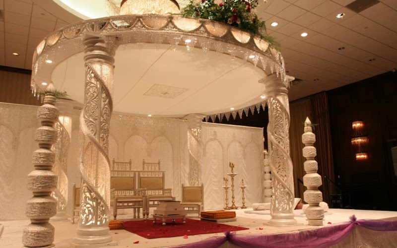 Unique wedding mandap decorations for an enticing wedding decor modern indoor mandap decorations junglespirit Gallery
