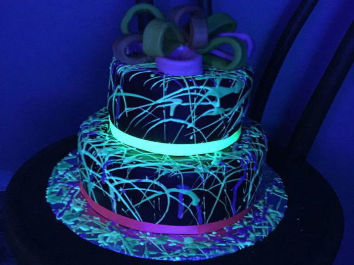 Where To Buy Glow In The Dark Cake Icing