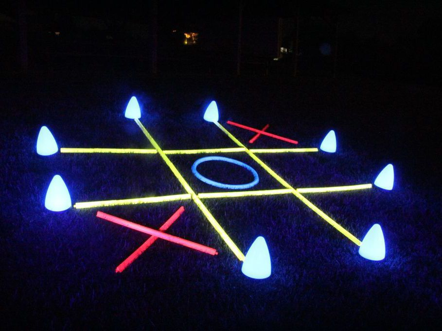 Neon party tictactoe