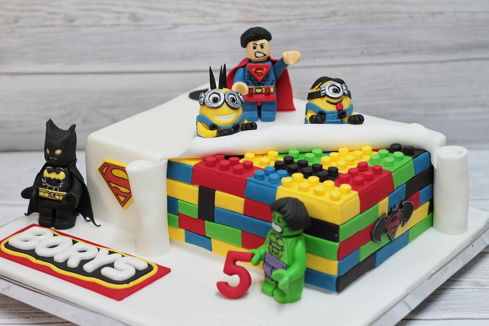 9 Simple Birthday Cake Designs For Kids That Would Leave You
