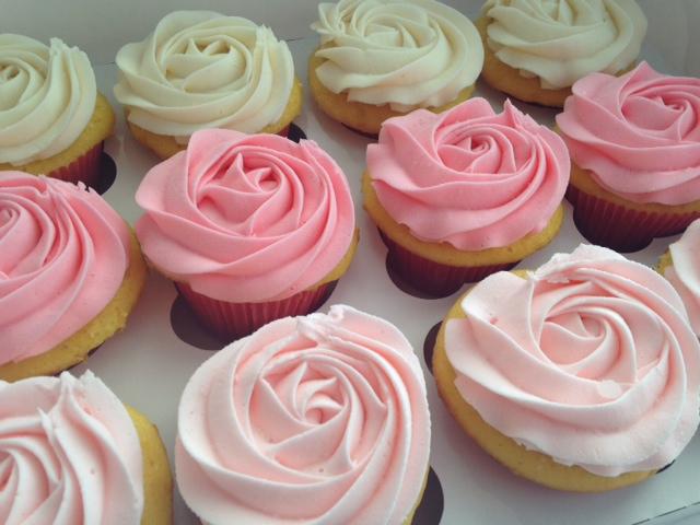 rose-wedding-cupcakes