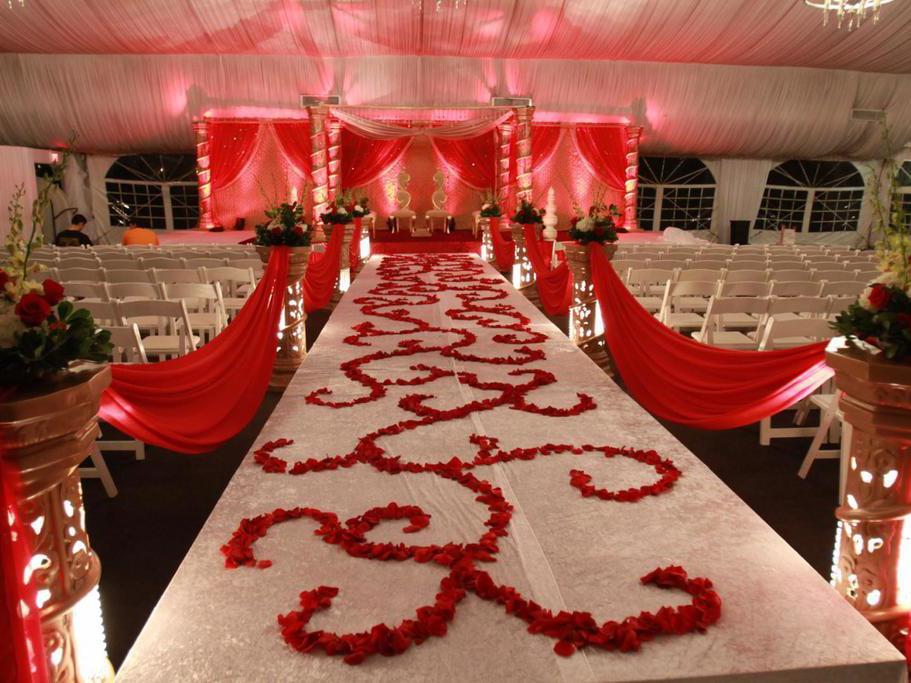 red rose wedding aisle