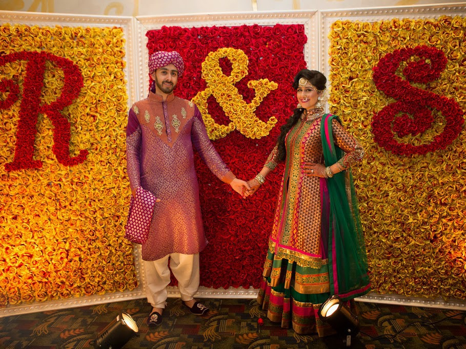 red-yellow-roses-backdrop-photo-booth-wedding