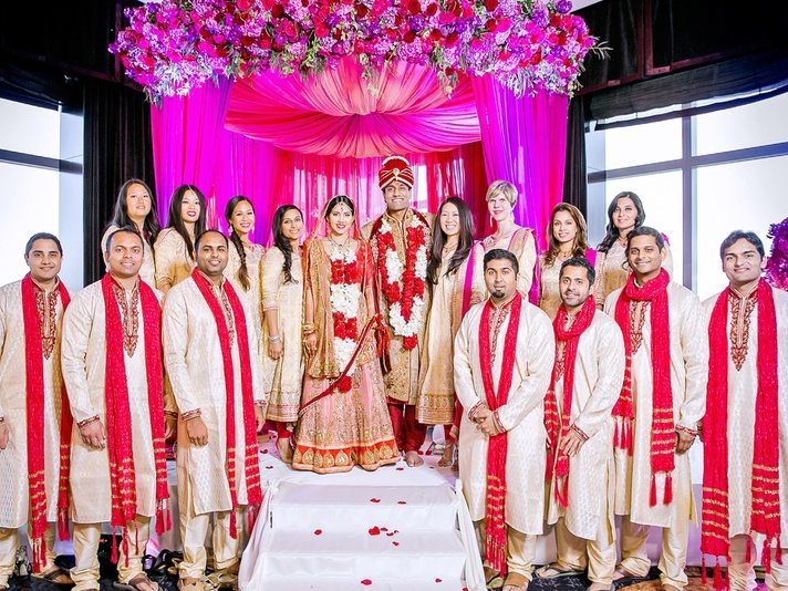 indian-wedding-photography-bridesmaid-groomsmen