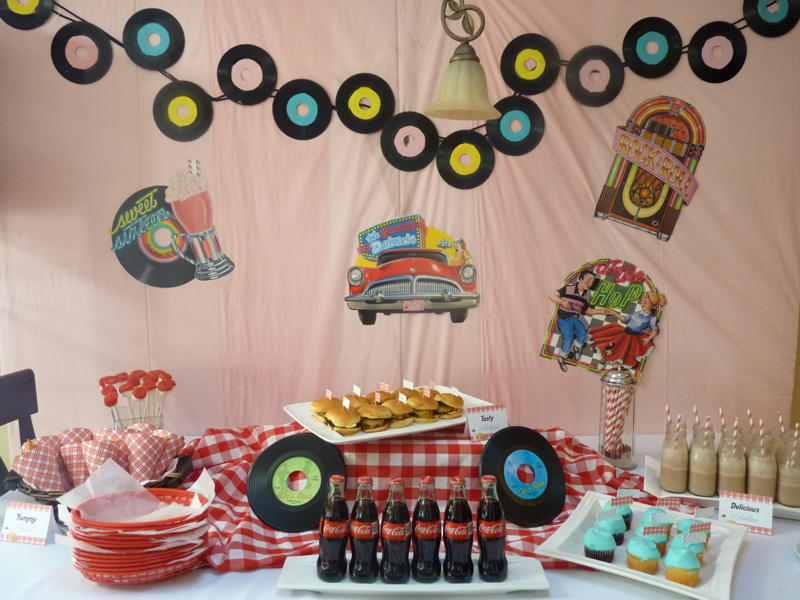 Surprise your 50 year old with a vintage themed birthday party for 50s party decoration ideas