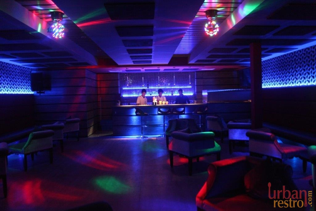 moksh resto bar Cocktail party venues in Pune