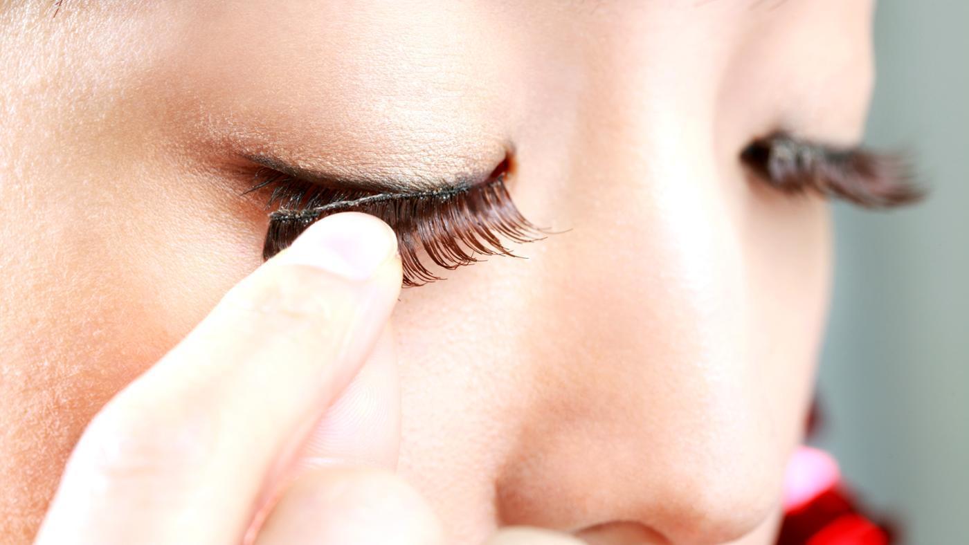 fake eyelashes- briald makeup ideas