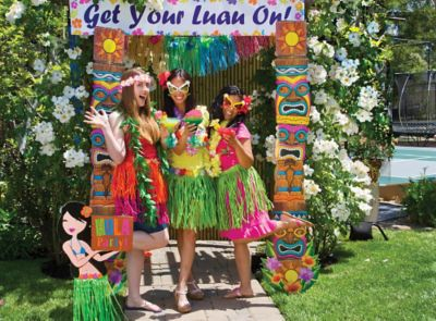 hawaiian photo booth- cocktail party theme ideas