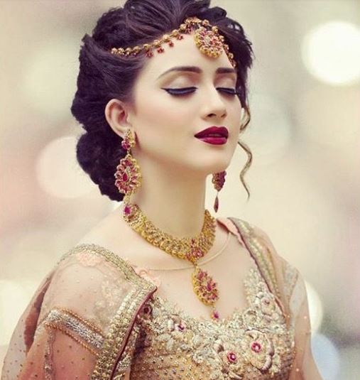 Indian Bridal Eye Makeup: Top 13 Indian Bridal Makeup Ideas Which Are Trending Right