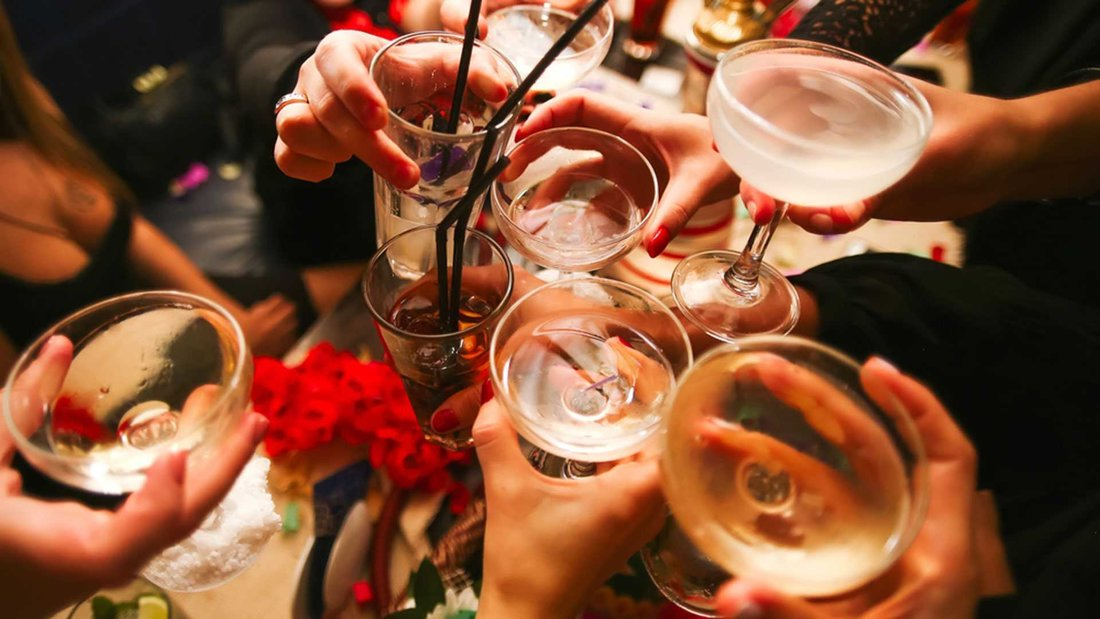 top-3-themes-ideas-super-hit-cocktail-party