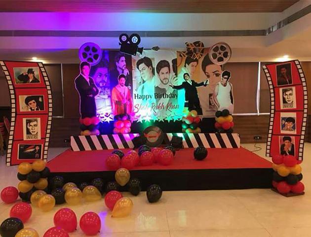Shahrukh Fan Club Celebrated Srk S Birthday At Moira
