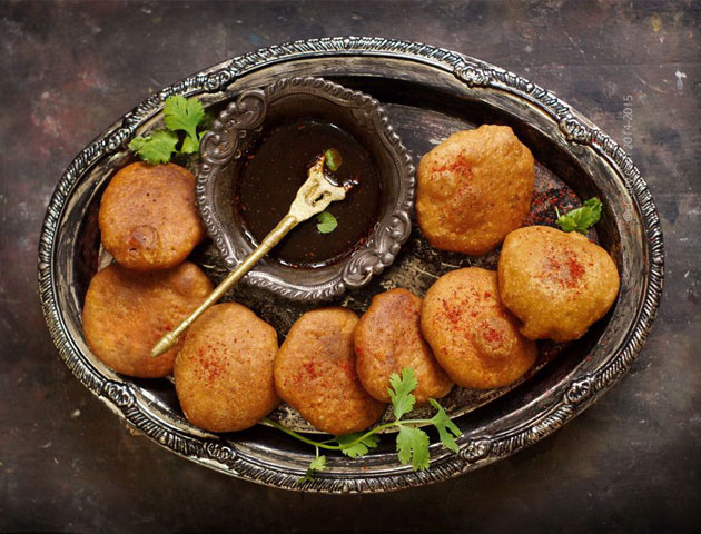 Best Indian Wedding Dishes Appetizers: Cocktail Kachori
