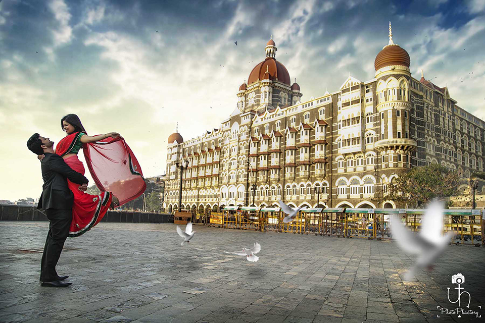 Pre Wedding Photoshoot At The Taj Palace Poses For
