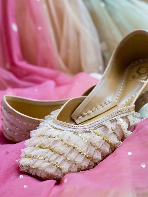 Beautiful Punjabi Jutti, wedding shoes for women, jutti, white and gold, sequins design