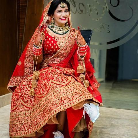 red lehenga, comfortable bride, led shoes, shoes with lights, bridal lehenga,