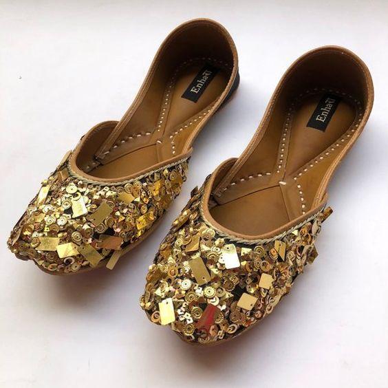 gold shoes, wedding shoes, sequins design, gold jutti, golden jutti