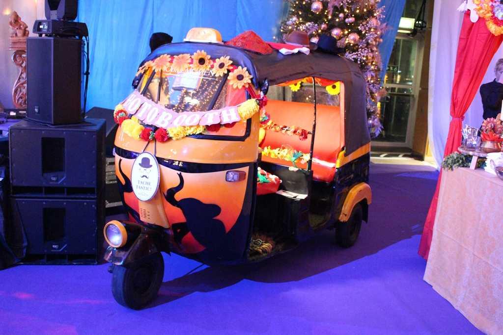 bollywood theme wedding, bollywood party, bollywood cinema ,bollywood style, bollywood theme party, Bollywood photobooth
