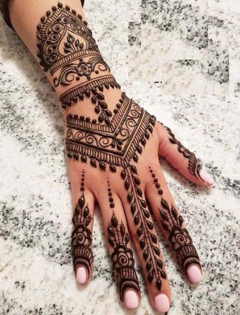 Minimalist mehendi, simple mehendi design, bridal mehendi designs, trending bridal mehendi designs