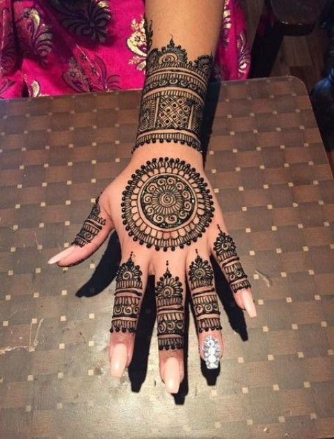 Minimalist mehendi, simple mehndi design, bridal mehndi design