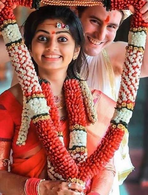 Varmala, Flower garland,Jaimala, Varmala designs for weddings, Varmala design, Wedding jaimala, Jaimala flowers, Jaimala designs for wedding, Varmala designs for wedding