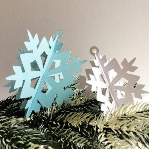 Christmas DIY Paper Snowflakes