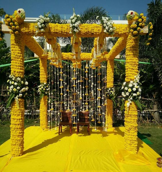 genda phool, genda phool decoration ideas, genda phool decoration, genda phool gate decoration, genda decoration, genda phool wedding decorations, genda flower decoration, door decoration with marigold flowers, marigold flower decoration