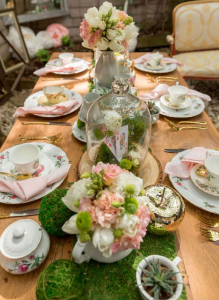 Putting the right decoration for High Tea Party