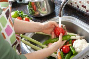 wash vegetables- covid free vegetables
