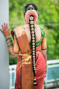 South Indian Bridal Hairstyles_billa and flowers