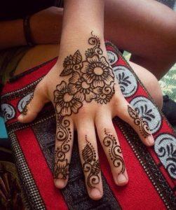 mehendi designs for kids _ back elaborate flower