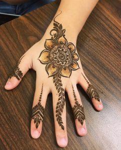 mehendi designs for kids _ back flower