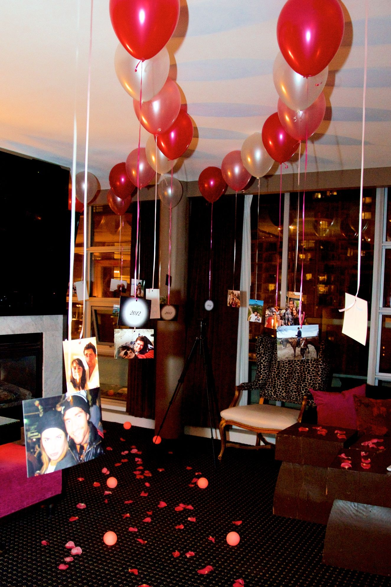 Hanging Couple Photos Room Decoration