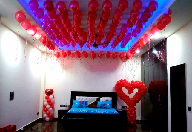 Red Balloons Room Decoration