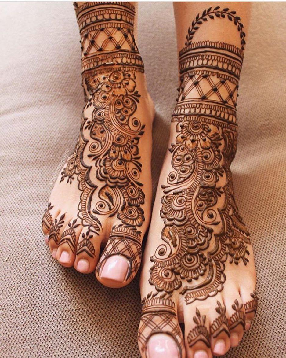 Arabic Design Dulhan Mehndi Leg