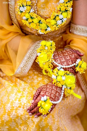 Floral Bridal jewellery for Haldi and Mehendi Function