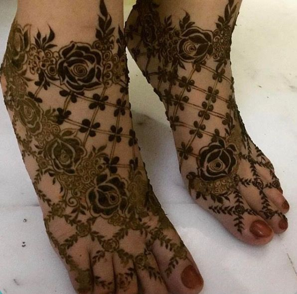 French Roses Latest Bridal Mehndi Designs for Legs