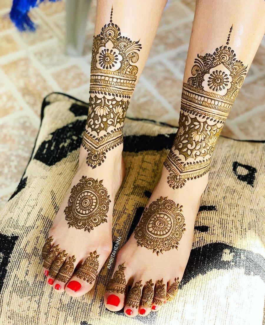 Mandala Mehndi Design for Legs Bridal
