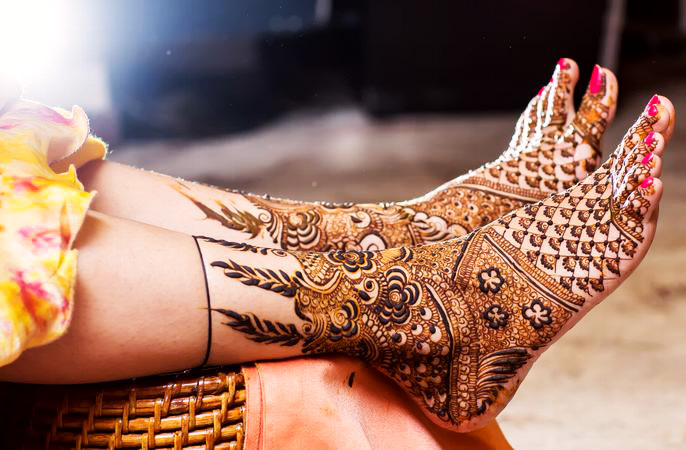 Rose Design Bridal Mehndi Designs for Legs for Marriage
