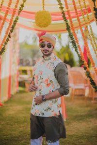 groom look for wedding