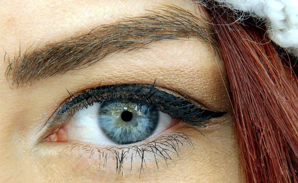 Contact Lenses Color for Neutral Skin Tone