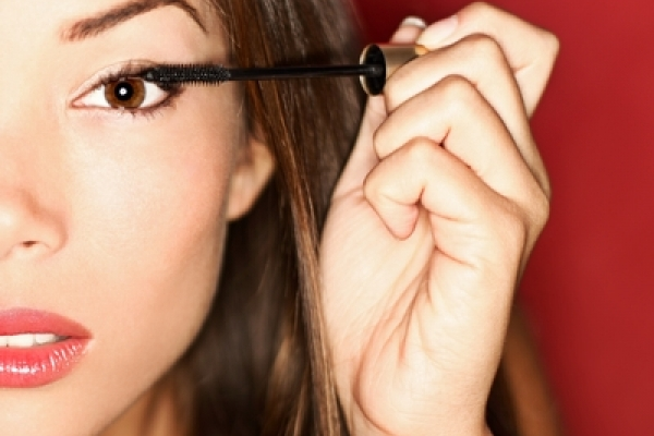 Makeup Tips to Care for your Lens