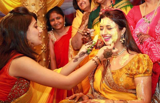 Divyanka Tripathi Haldi Photo