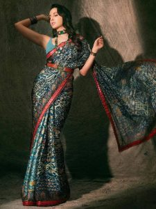 Nora Fatehi Belted Saree Look